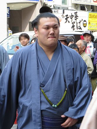 330px-ikioi_in_harubasho_2013_img_1879-2_20130324