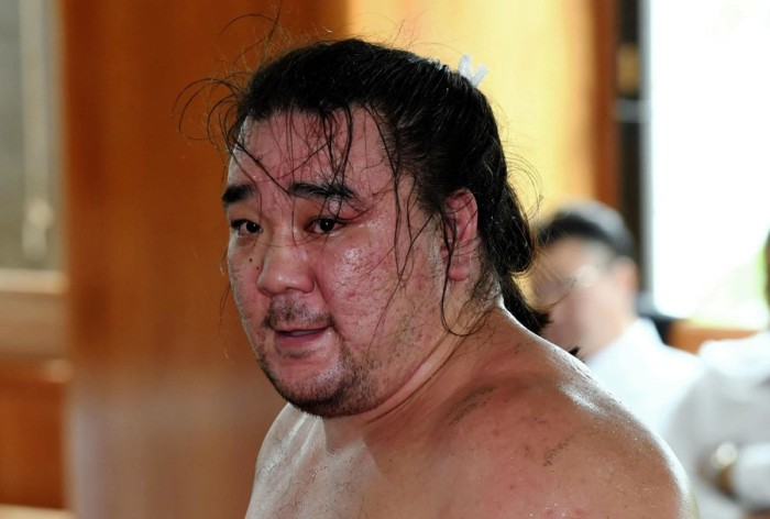 Harumafuji Sweating