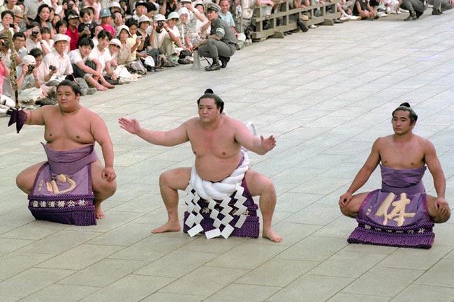 asahifuji-meiji-dohyo-iri